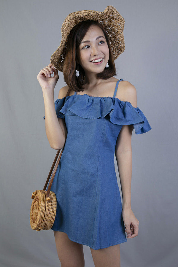 RANLEY RUFFLED DENIM DRESS (LIGHT BLUE)
