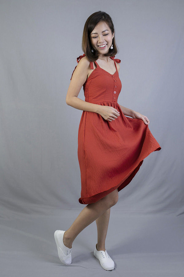 CANFERN TIE STRAP MIDI DRESS (ORANGE RED)