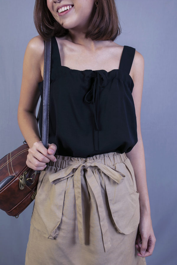 AVIANA FRONT TIE TOP (BLACK)