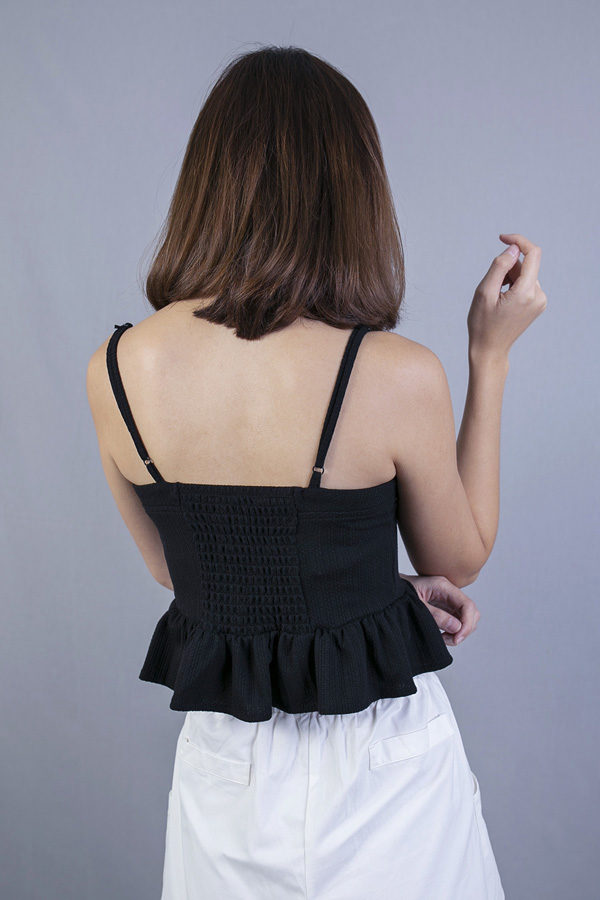 EVALYN BUTTONS DETAILED CROP TOP (BLACK)